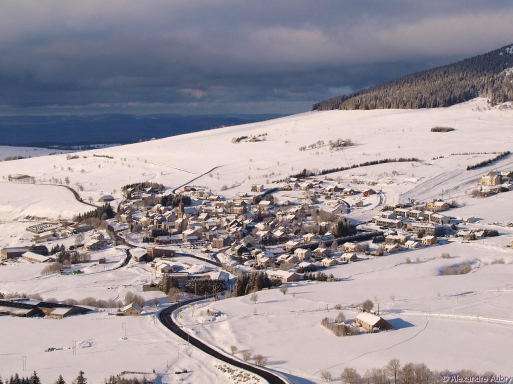Station de ski alpin les estables domaine nordique du m zenc - Office tourisme les estables ...